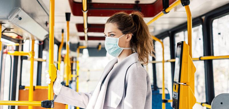El año 2020 va a ser recordado por la pandemia del Coronavirus-19 que asaltó el mundo y dio un vuelco a nuestras vidas. A nivel global, estamos todavía afinando las medidas necesarias para frenar la propagación del virus y a la vez mantener operativos nuestros Sistemas de Salud.